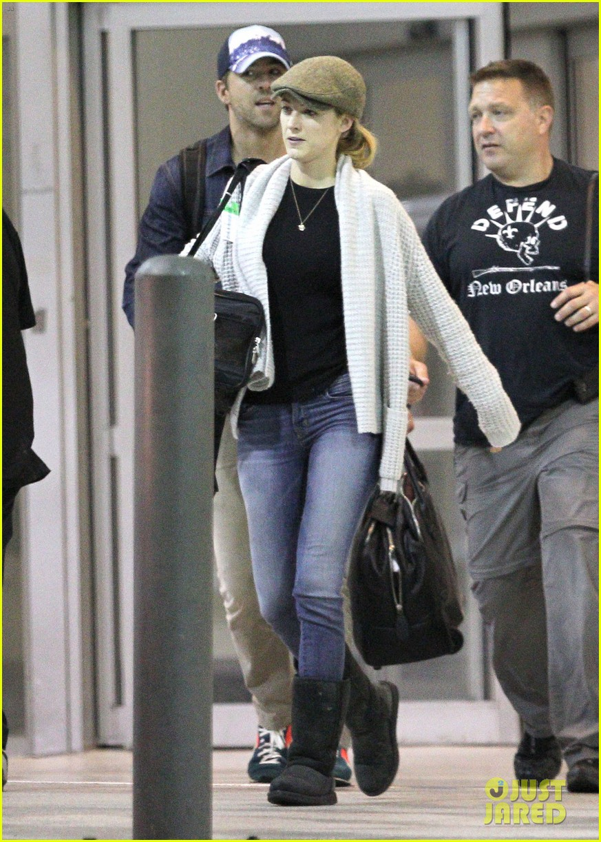 blake lively ryan reynolds touch down in new orleans 19