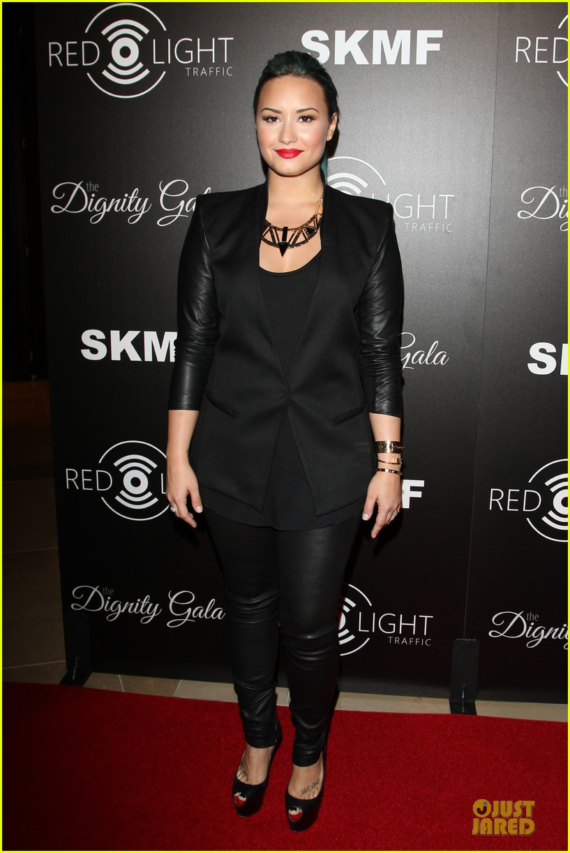 demi lovato redlight traffic app launch 03