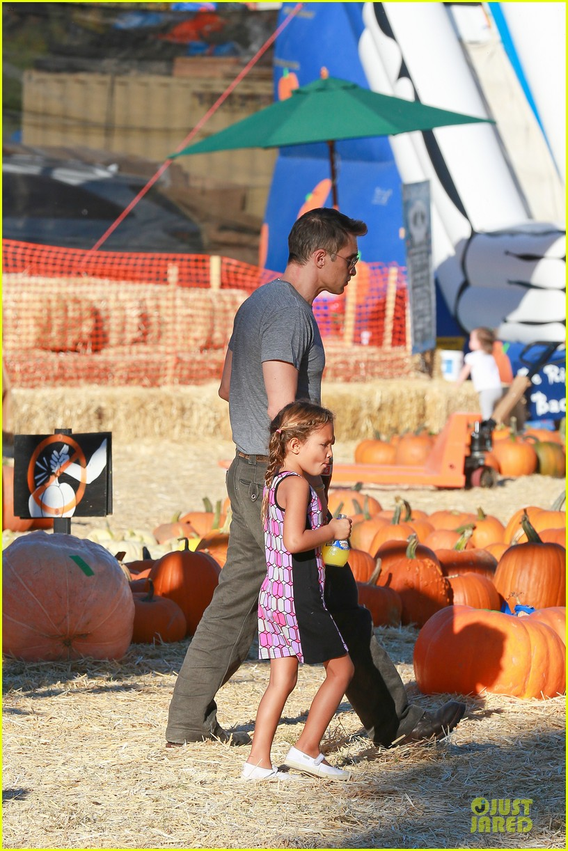 olivier martinez steps out after halle berry gave birth to son 312968125
