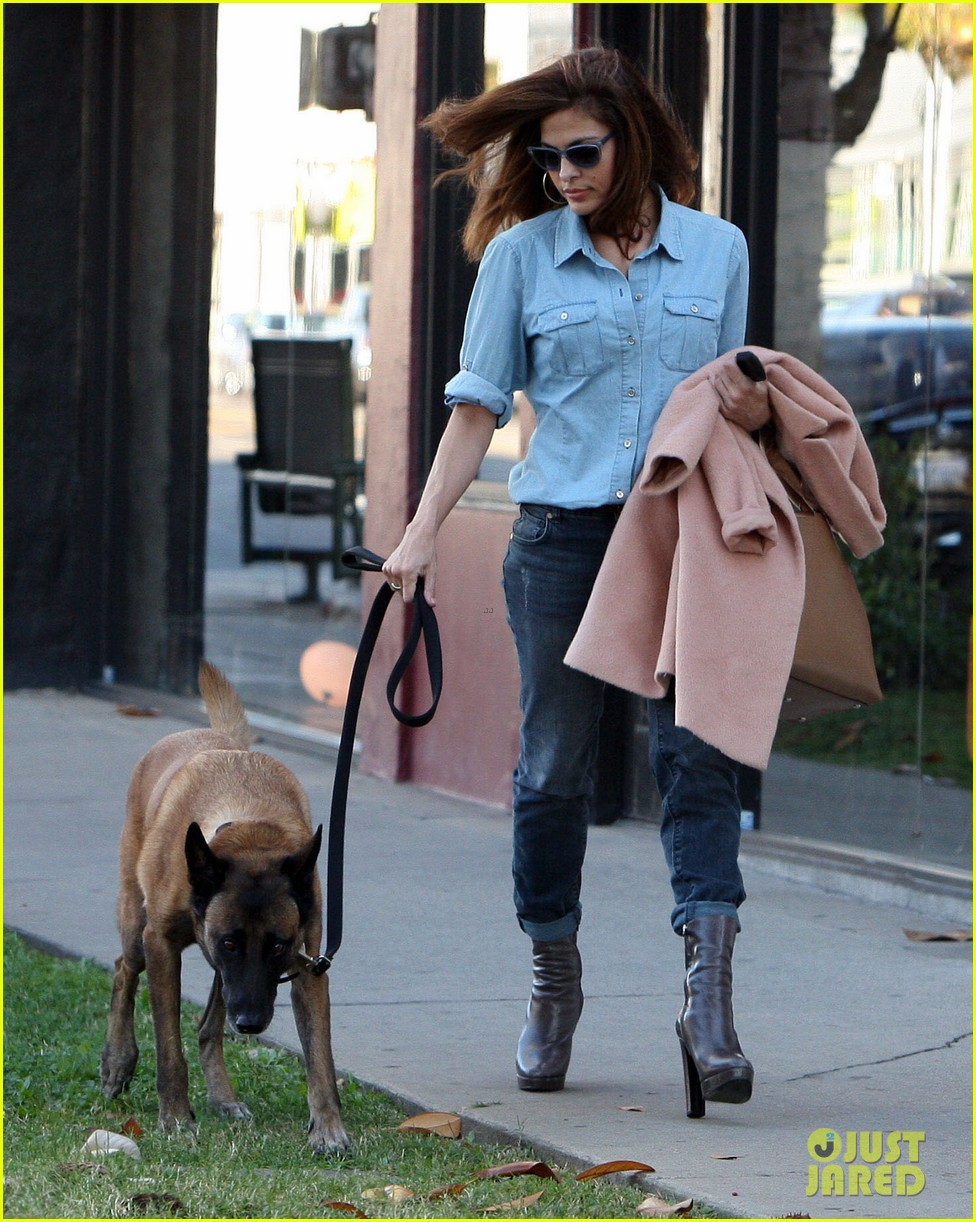 eva mendes its about fashion on the run 062973644