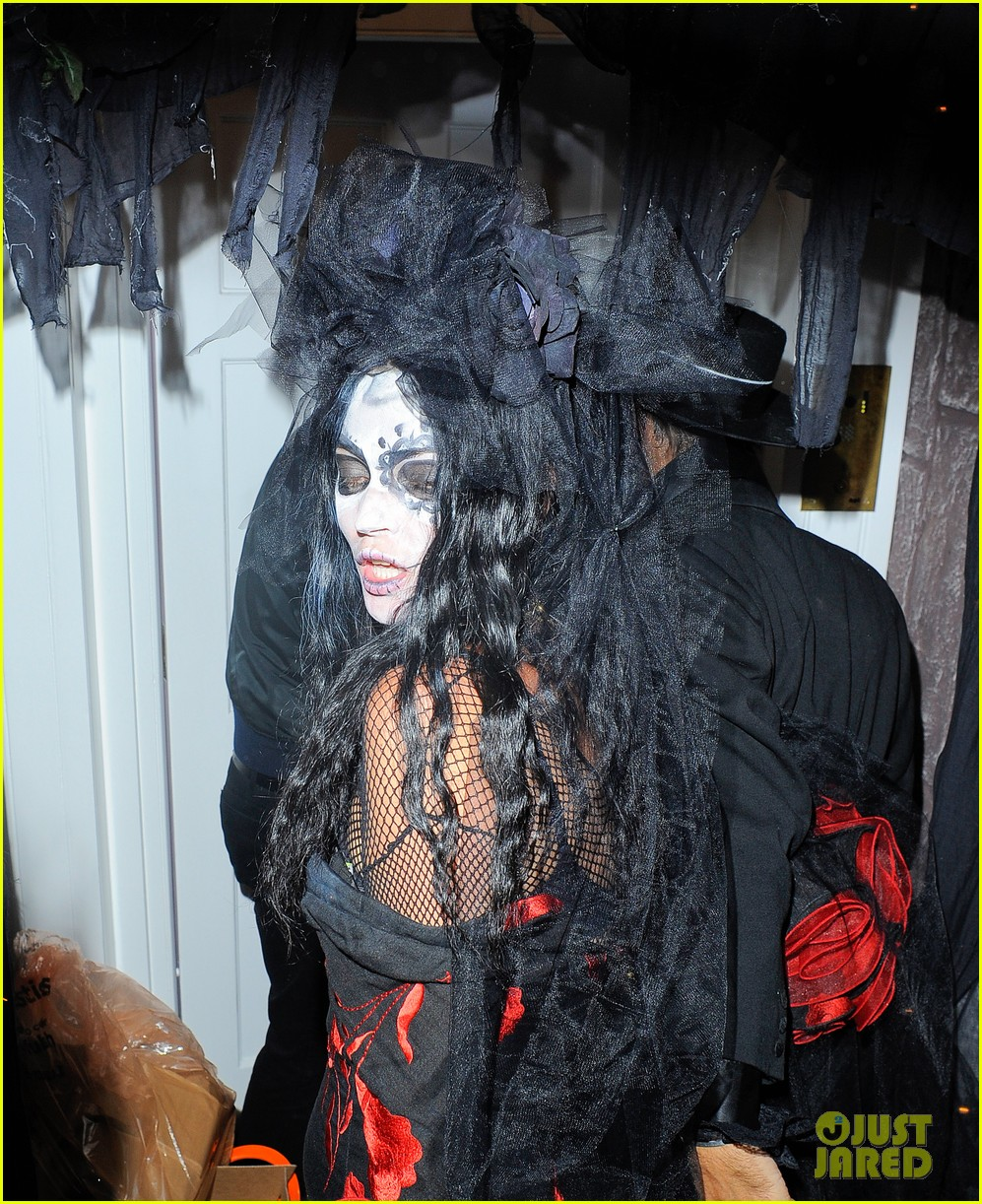 jonathan rhys meyers is bloody hot at halloween party 122984062