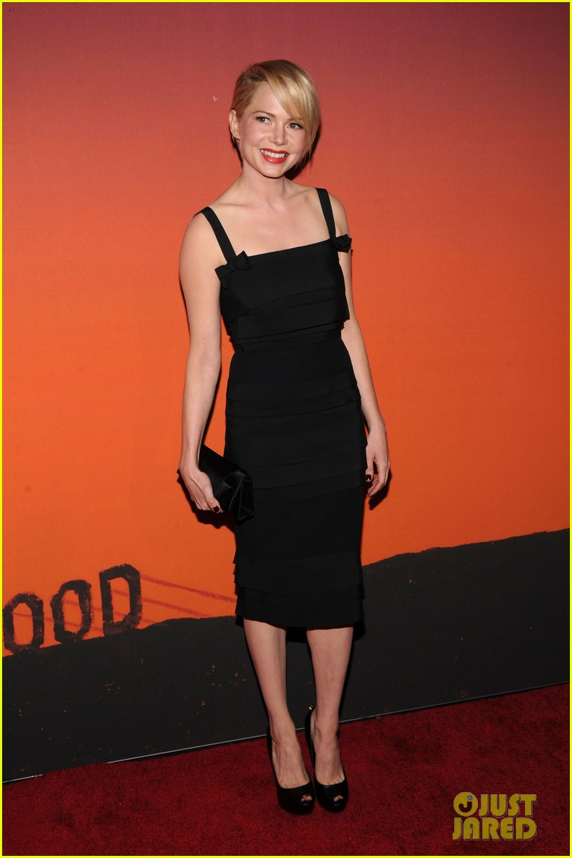 michelle williams dianna agron whitney museum gala 2013 072978148