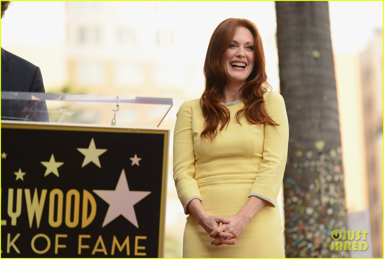 julianne moore hollywood walk of fame ceremony 062965325