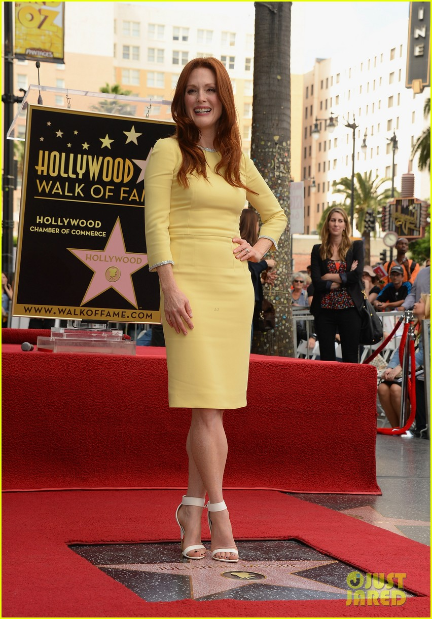 julianne moore hollywood walk of fame ceremony 102965329