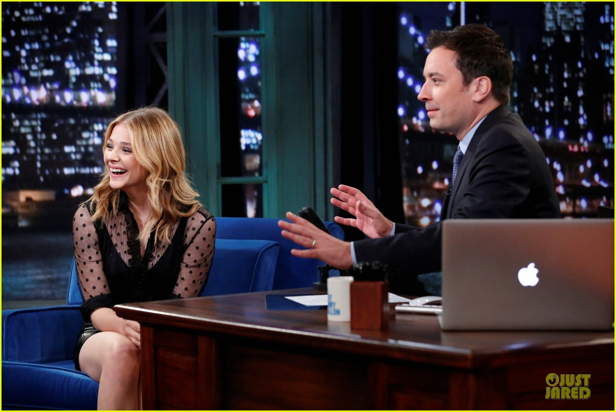 chloe moretz fierce carrie promo on fallon 032969320