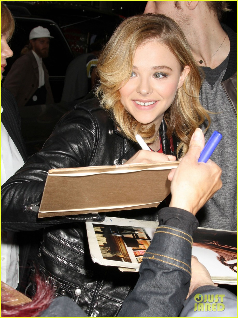 chloe moretz carrie in theaters now 022974392
