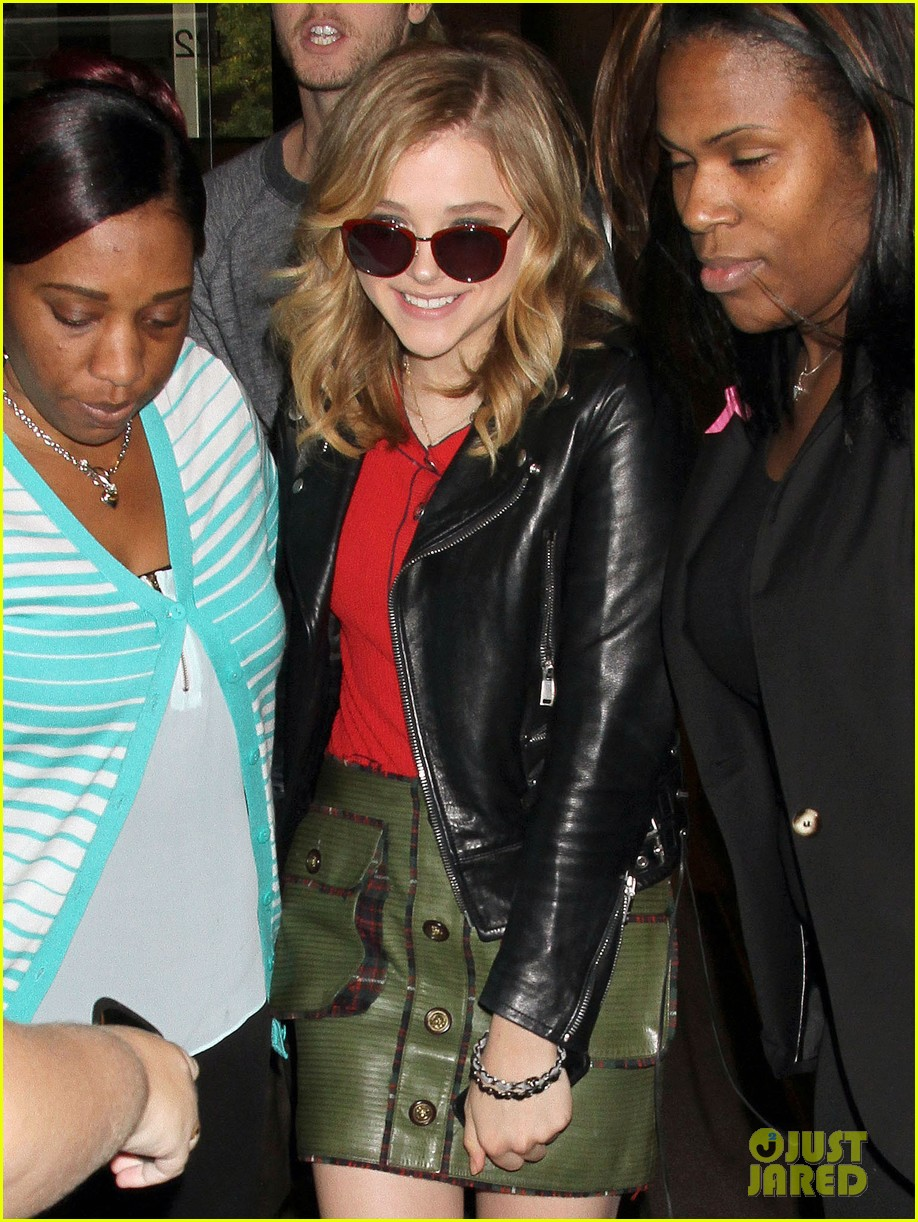 chloe moretz carrie in theaters now 042974394