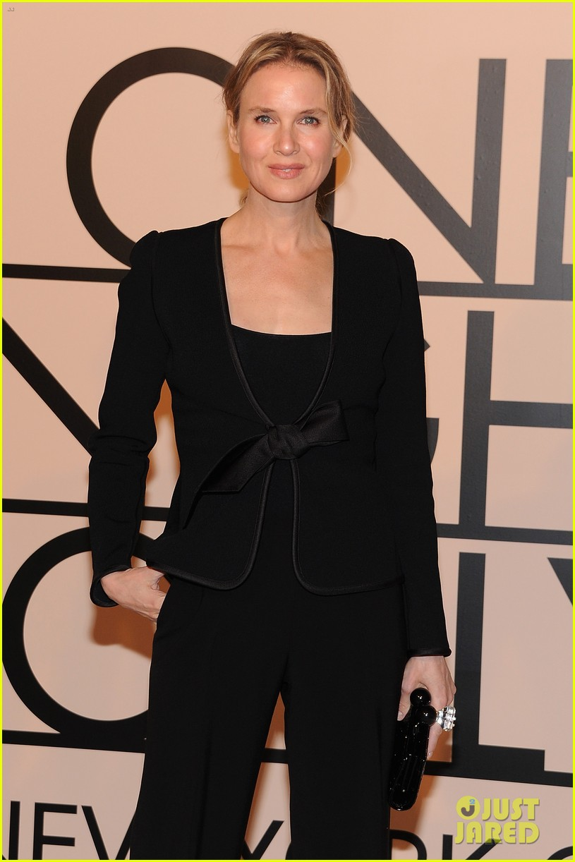 naomi watts olivia munn georgio armani one night only nyc 112978687