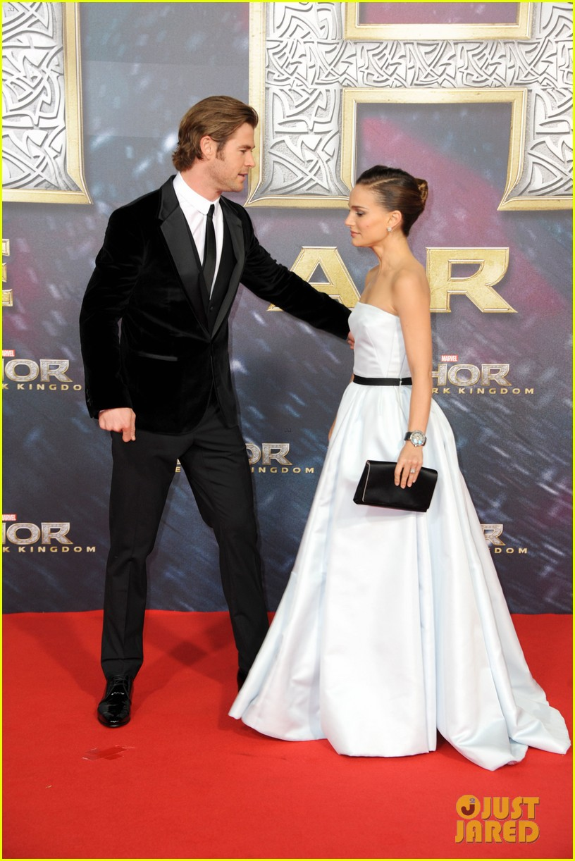 natalie portman chris hemsworth thor berlin premiere 132981287