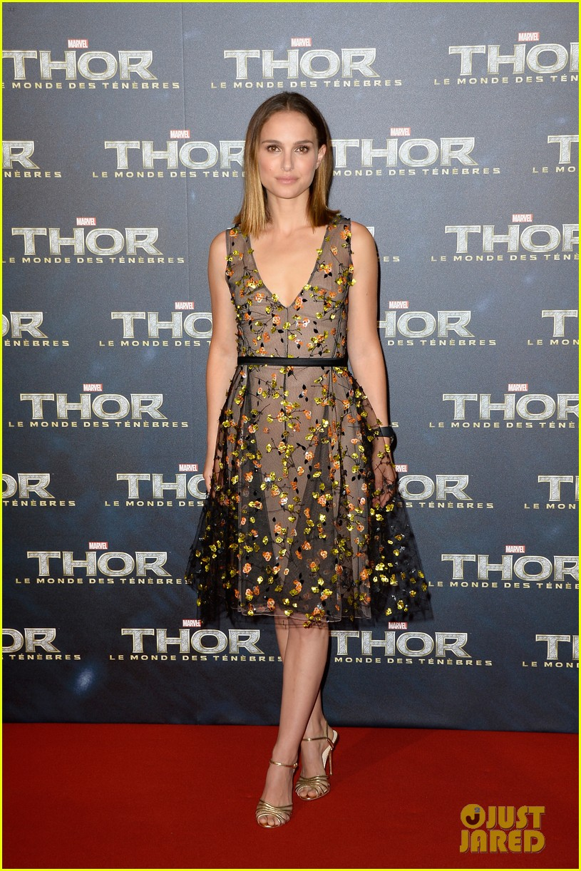 natalie portman tom hiddleston thor paris premiere 01