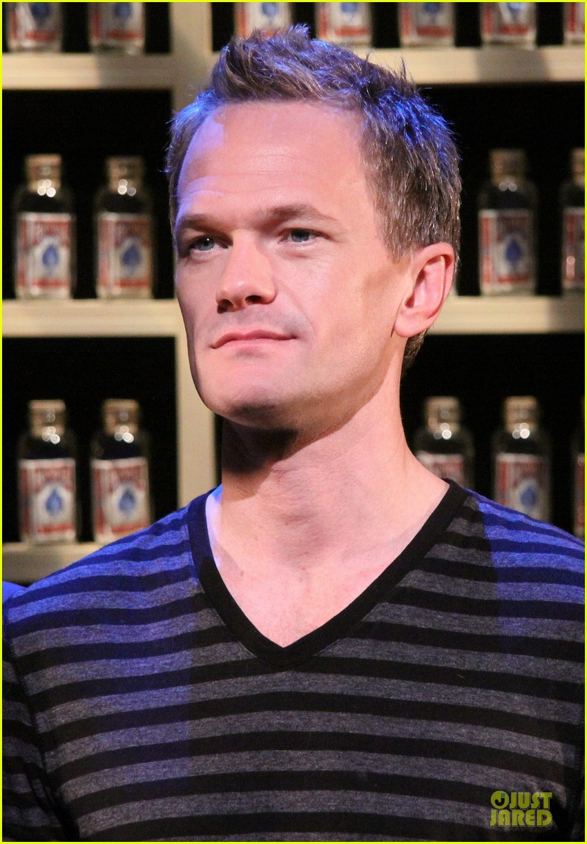 neil patrick harris nothing to hide nyc photo call 062976572