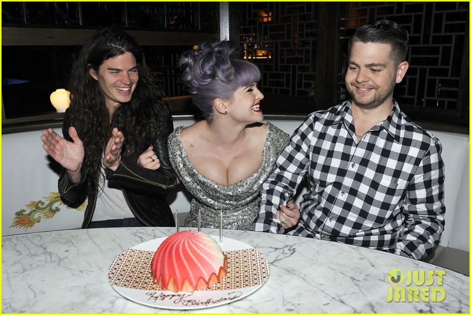 kelly osbourne celebrates birthday amid lady gaga feud 052981877