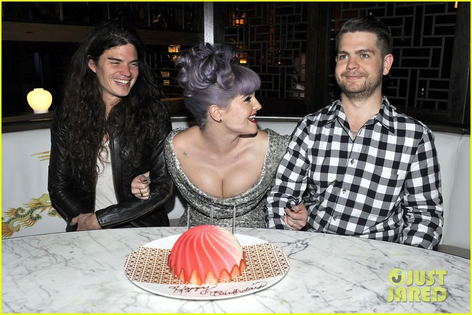 kelly osbourne celebrates birthday amid lady gaga feud 082981880