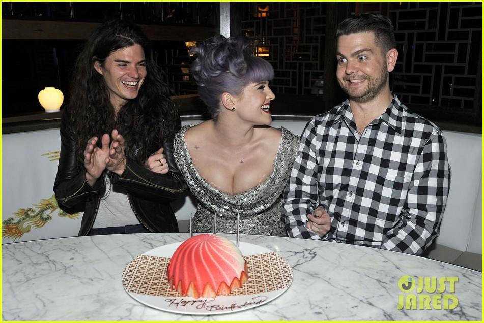 kelly osbourne celebrates birthday amid lady gaga feud 092981881