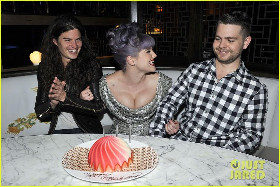 kelly osbourne celebrates birthday amid lady gaga feud 102981882
