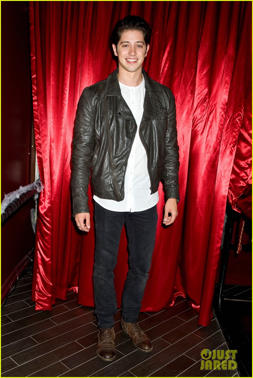 patrick schwarzenegger wilson bethel just jared halloween party 2013 042979353