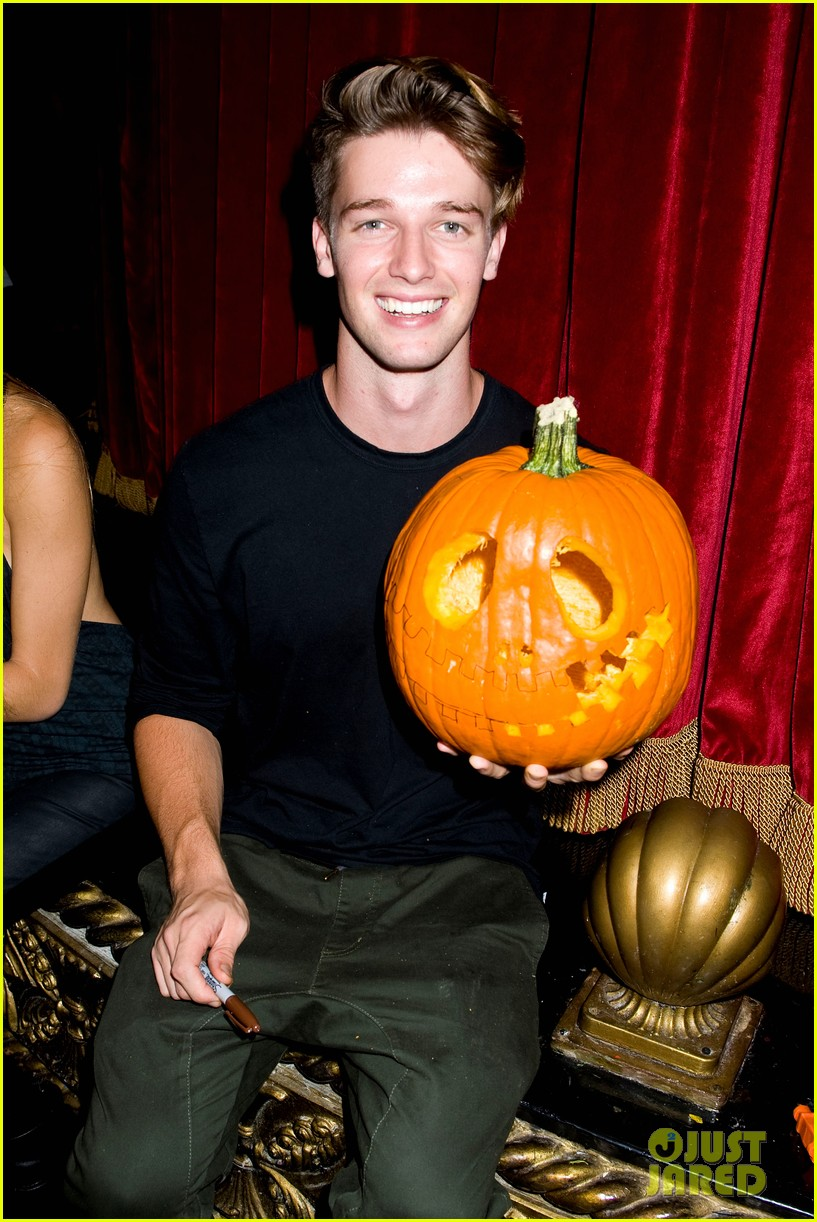 patrick schwarzenegger wilson bethel just jared halloween party 2013 172979366