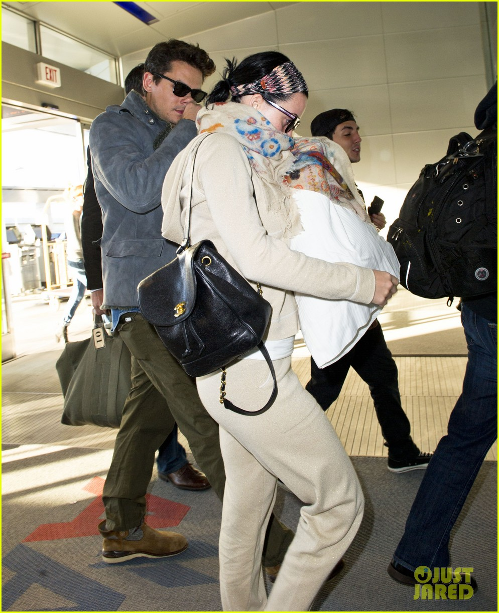 katy perry john mayer catch flight out of new york city 012971755
