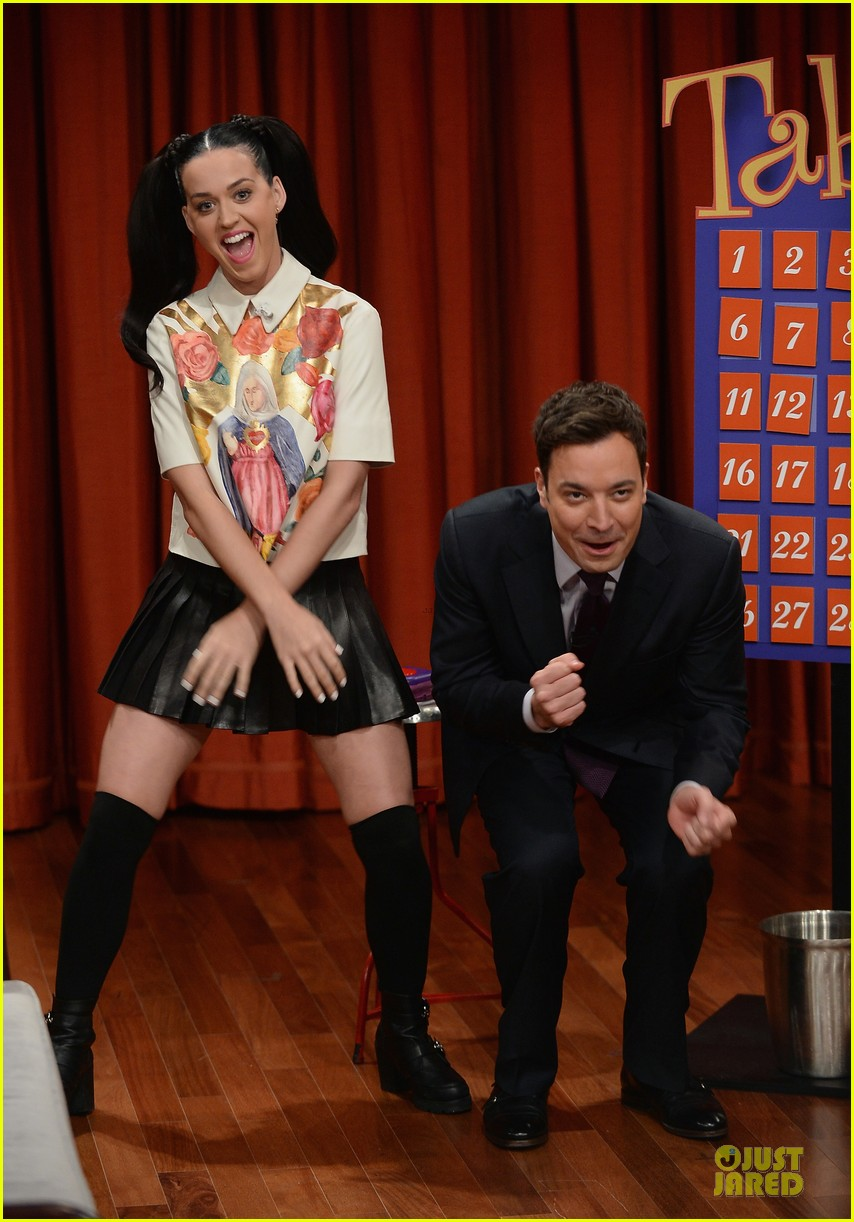 katy perry sticks out tongue for taboo on fallon 052969773