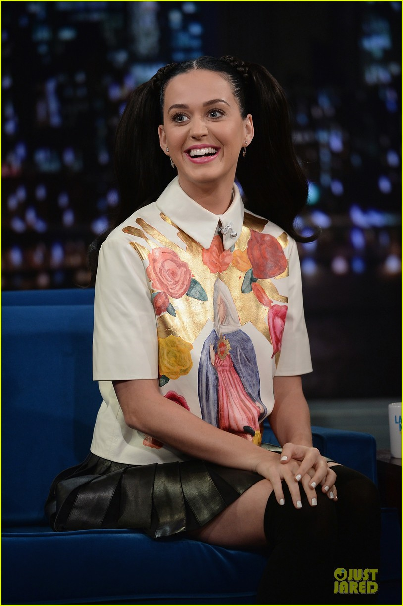 katy perry sticks out tongue for taboo on fallon 062969774