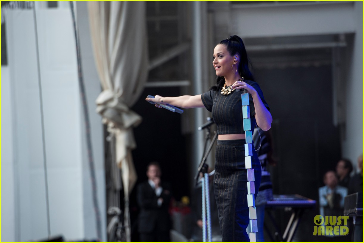 katy perry hollywood bowl katy perry we can survive concert 042978368