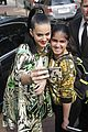 katy perry bares midriff at sydney opera house 02