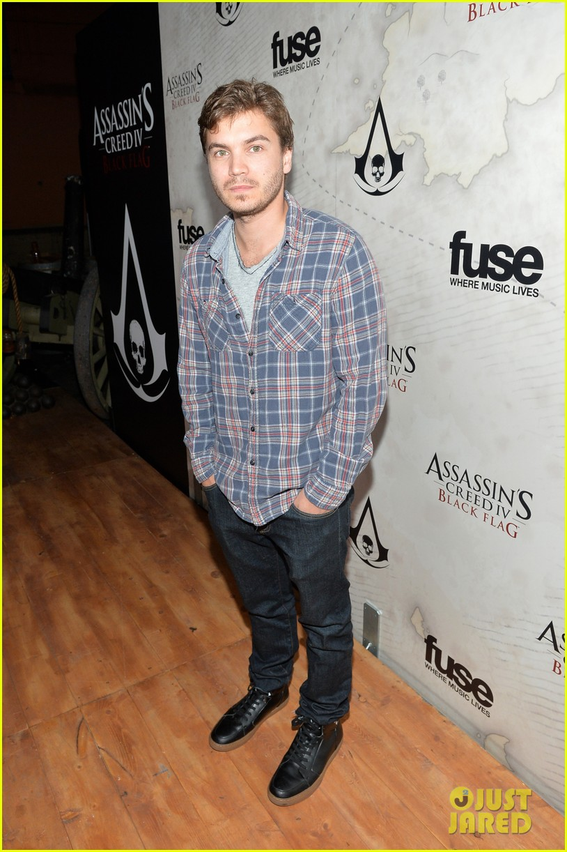 alex pettyfer emile hirsch assassinss creed iv black flag launch party 082977536