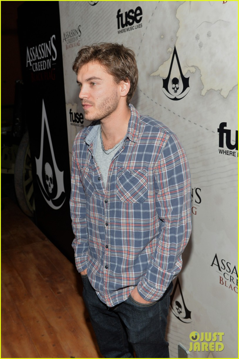 alex pettyfer emile hirsch assassinss creed iv black flag launch party 142977542