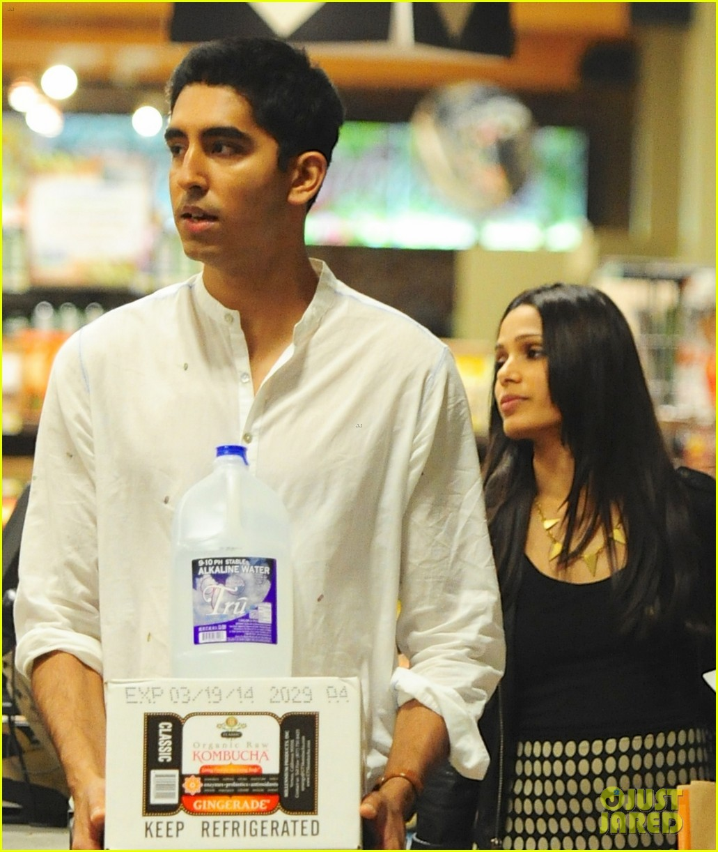 freida pinto dev patel late night grocery run 01