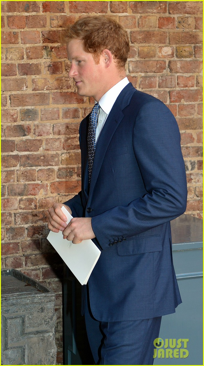 pippa middleton prince harry arrive for prince georges christening 022977661