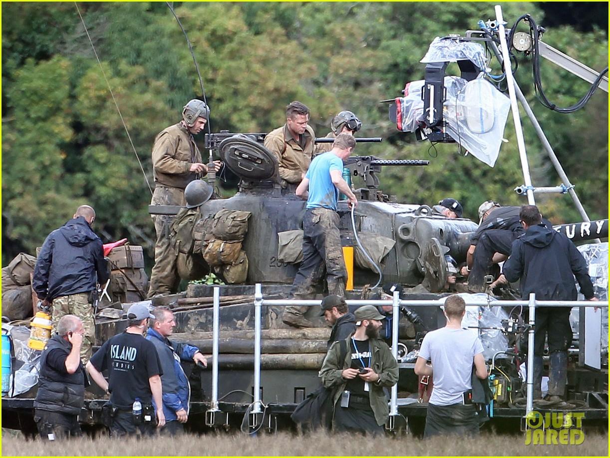 brad pitt shia labeouf continue shooting fury tank scenes 012965913