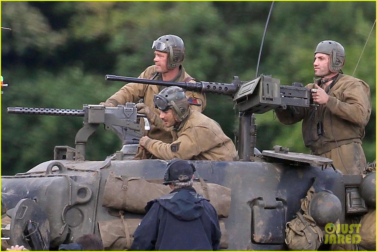 brad pitt shia labeouf continue shooting fury tank scenes 112965923