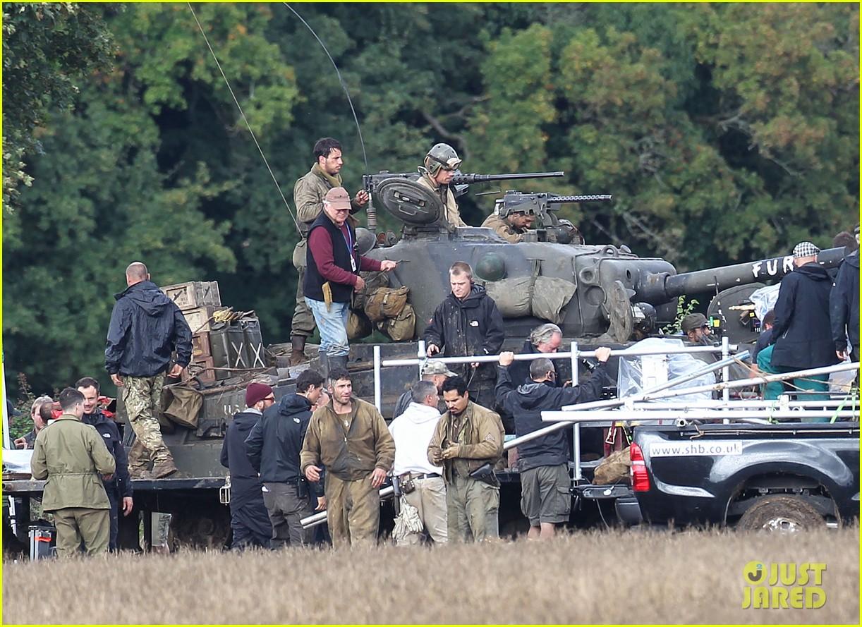 brad pitt shia labeouf continue shooting fury tank scenes 152965927