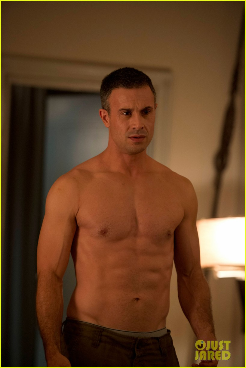 Freddie Prinze, Jr.: Shirtless Six-Pack for 'Witches of ...