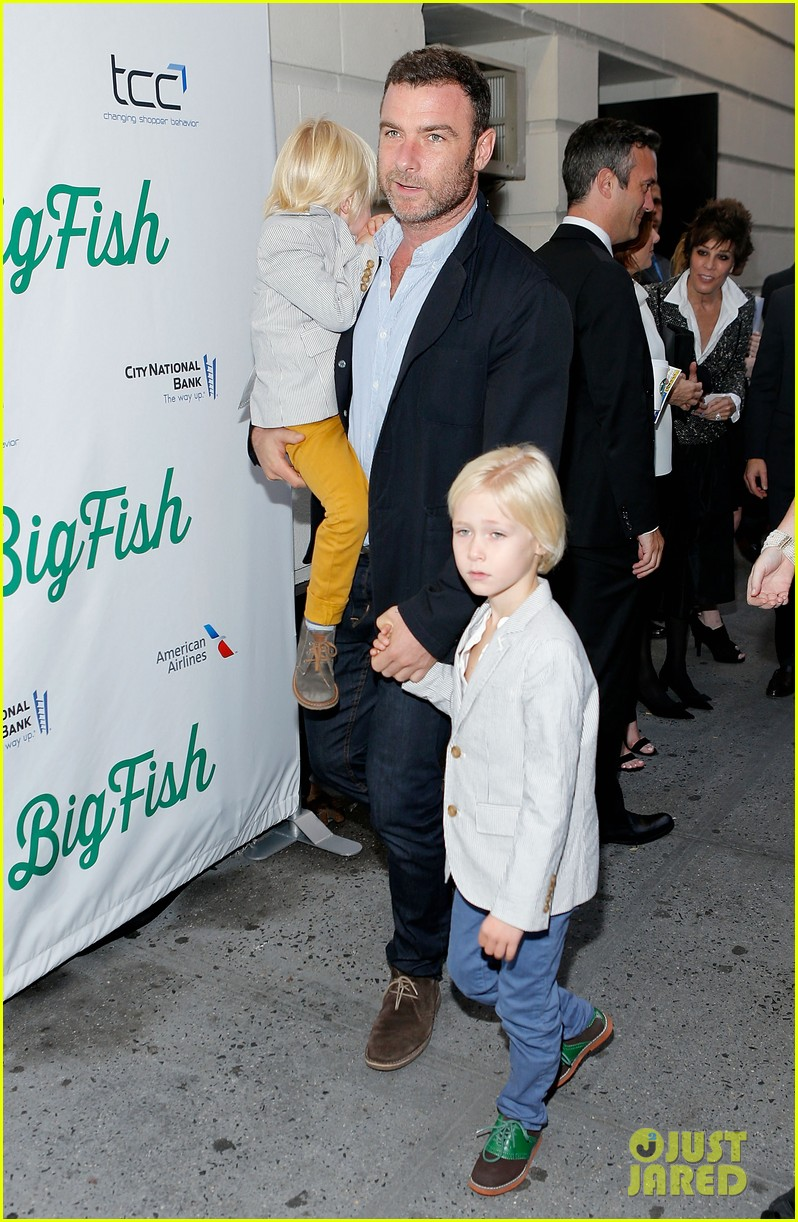 zachary quinto liev schreiber big fish opening night 082967532