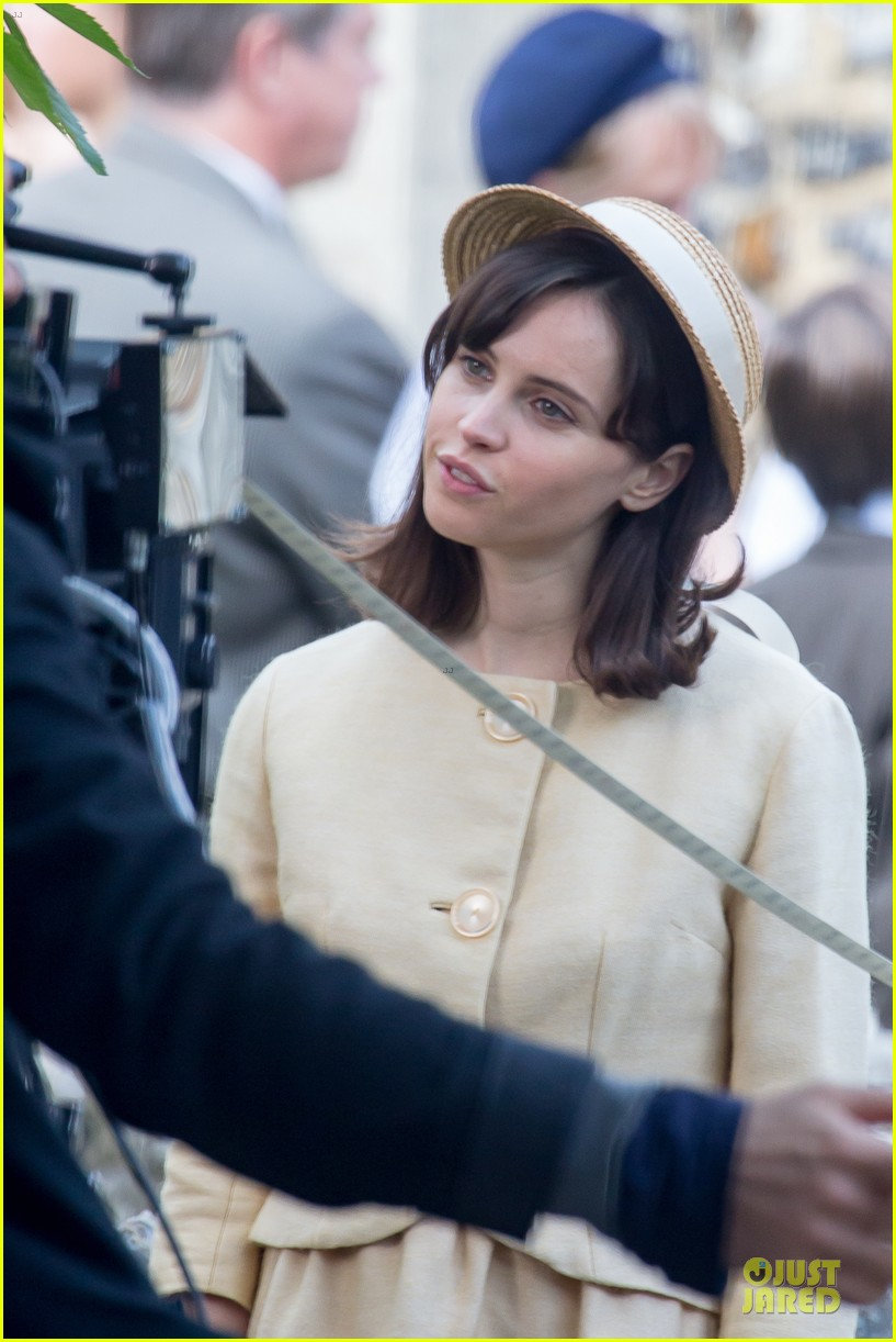 eddie redmayne felicity jones theory of everything set 182968040