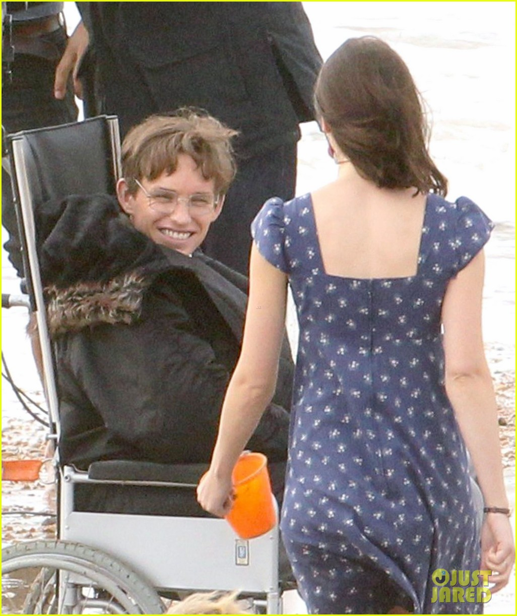 eddie redmayne gets piggy back ride on set 142975425