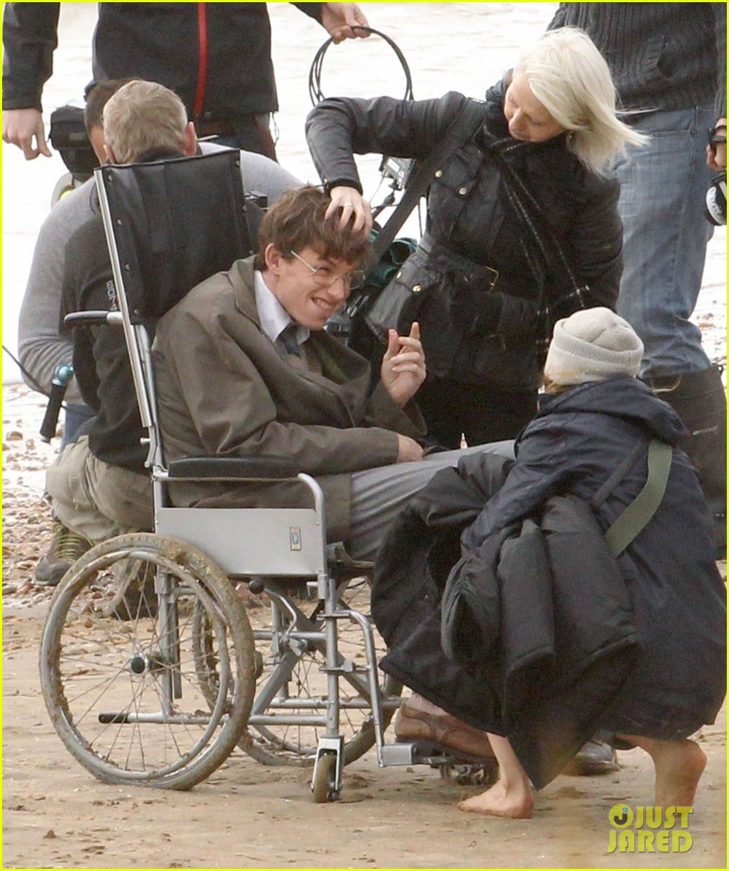 eddie redmayne gets piggy back ride on set 20