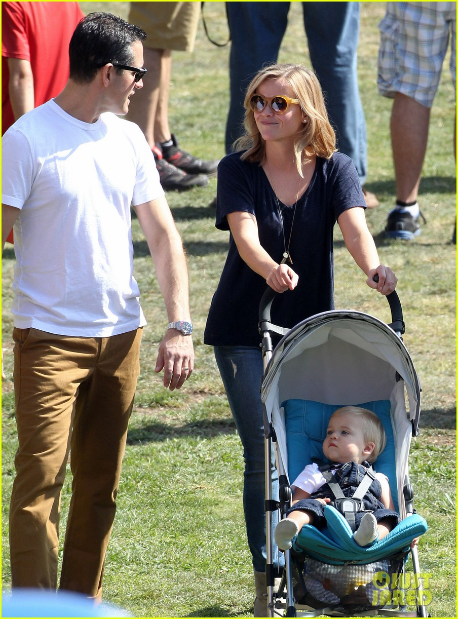 reese witherspoon jim toth brentwood corn festival 062976111