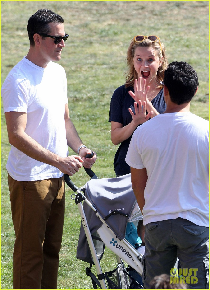 reese witherspoon jim toth brentwood corn festival 102976115