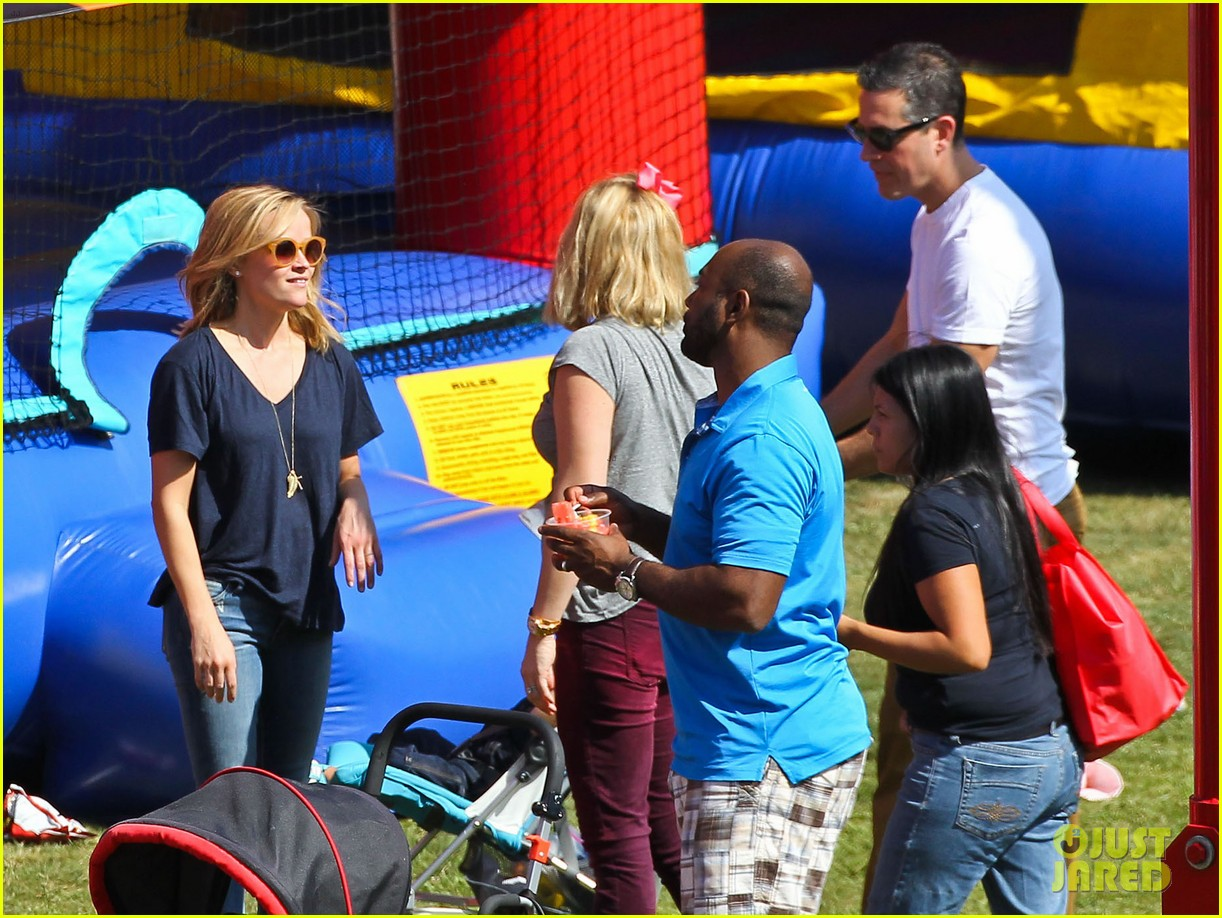 reese witherspoon jim toth brentwood corn festival 332976138