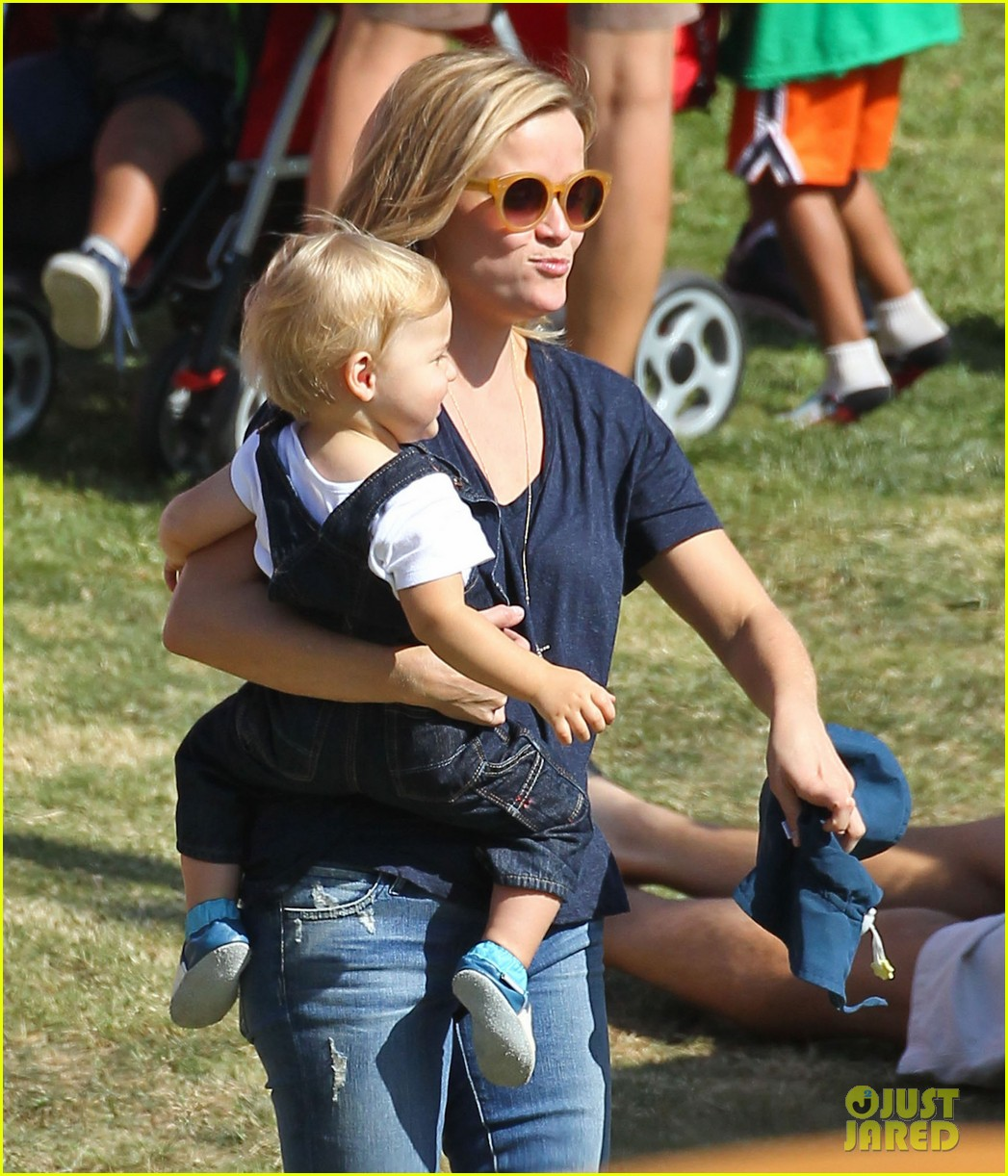 reese witherspoon jim toth brentwood corn festival 372976142