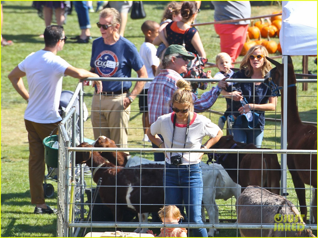 reese witherspoon jim toth brentwood corn festival 412976146