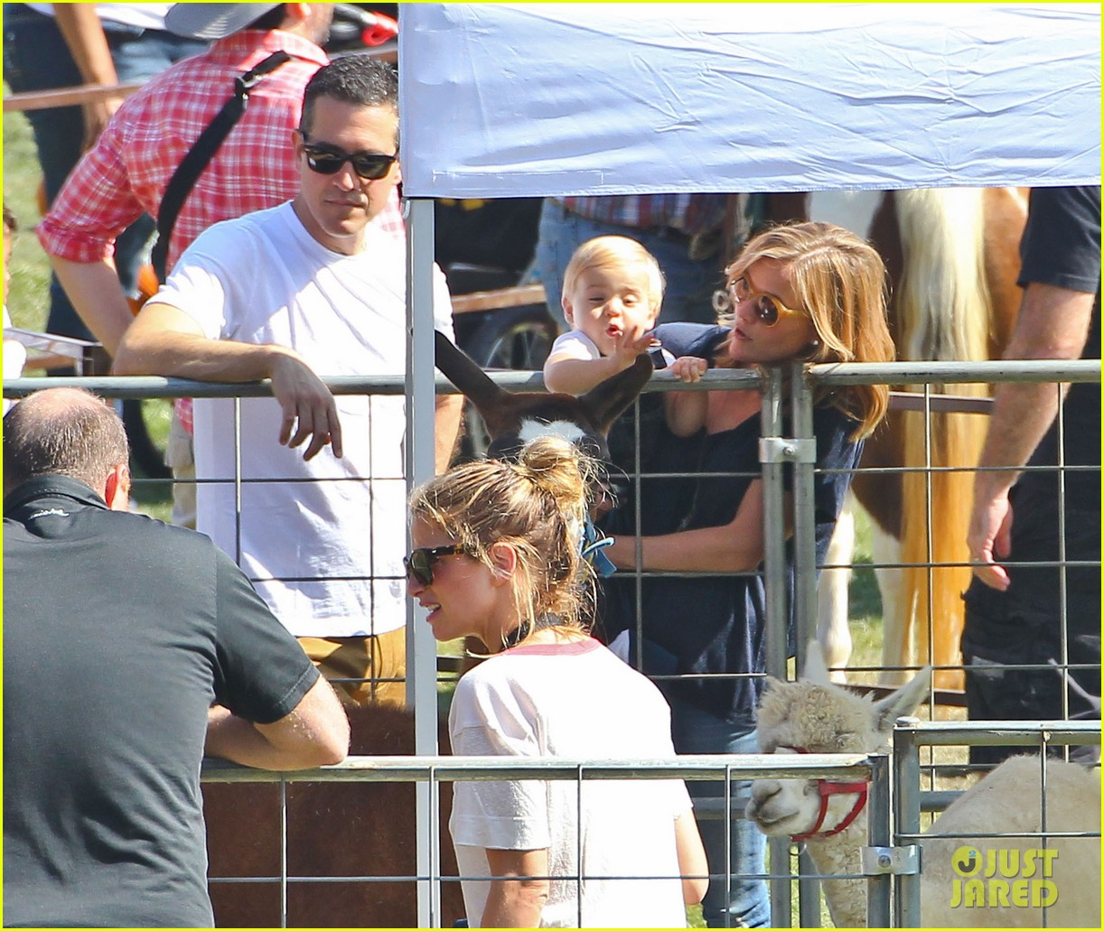 reese witherspoon jim toth brentwood corn festival 452976150