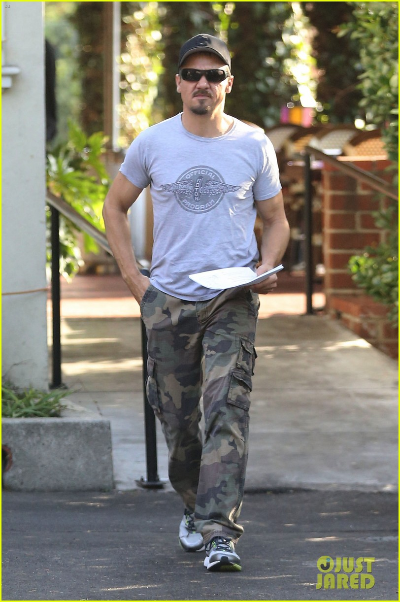 jeremy renner goes camouflage in west hollywood 112965905