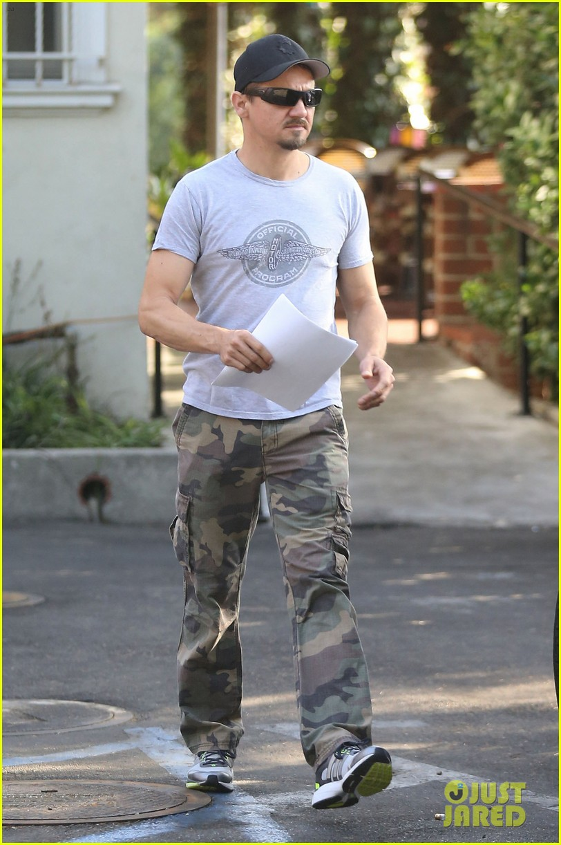 jeremy renner goes camouflage in west hollywood 132965907