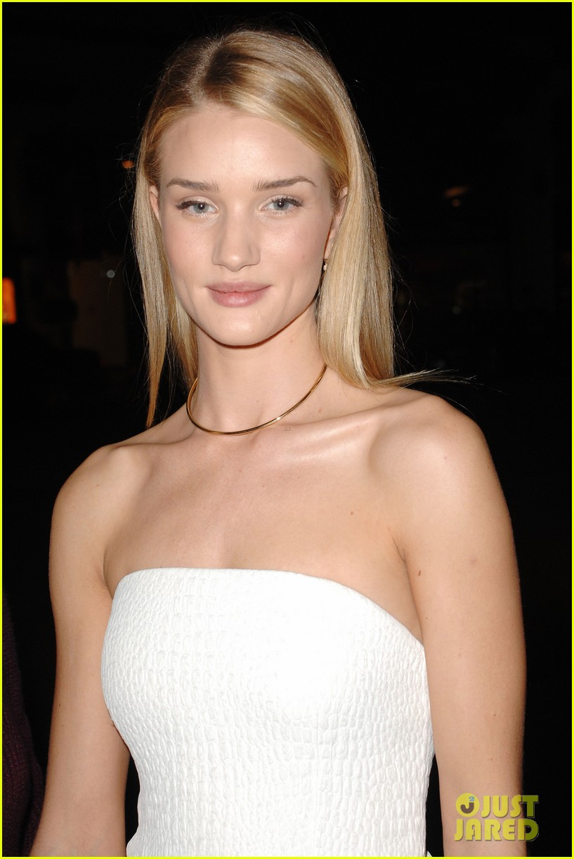 rosie huntington whiteley vogue cfda fashion fund 022978312