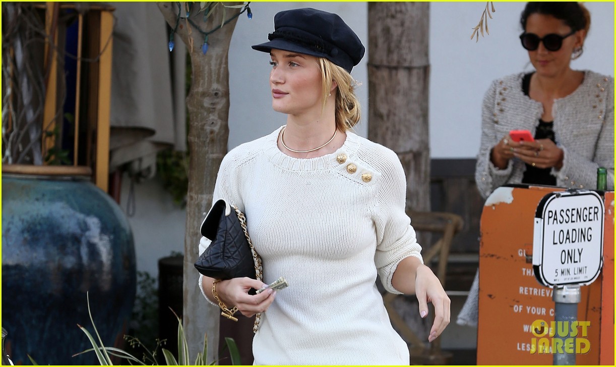 rosie huntington whiteley vogue cfda fashion fund 062978316