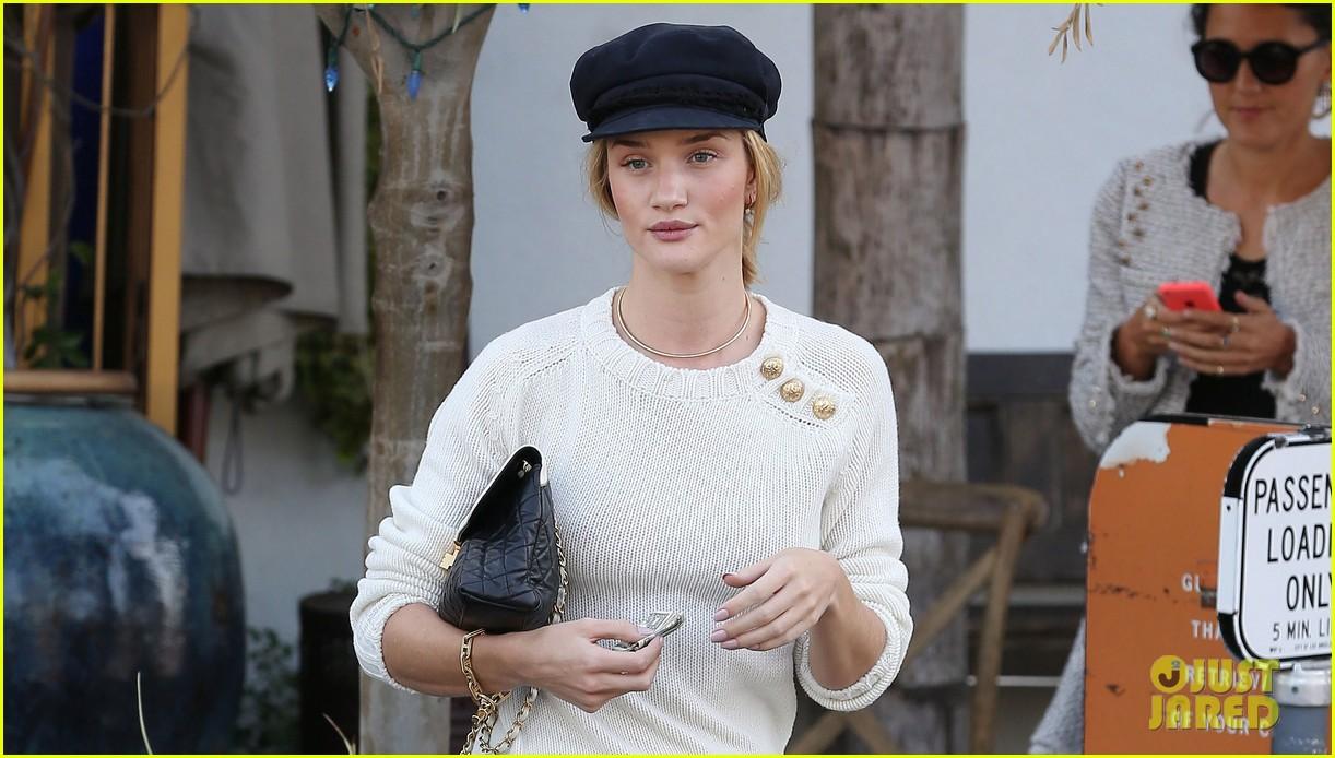 rosie huntington whiteley vogue cfda fashion fund 072978317