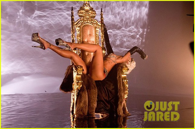 rihanna more pour it up behind the scenes video 052963806